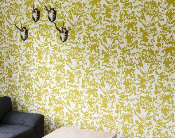 Mønstret gult tapet