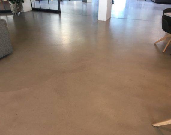 Nyrenoveret gulv
