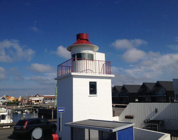 Flot renoveret fyrtårn i havn