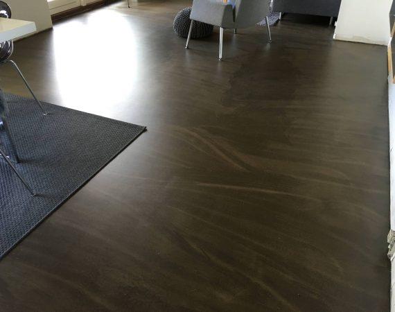 Brunt gulv
