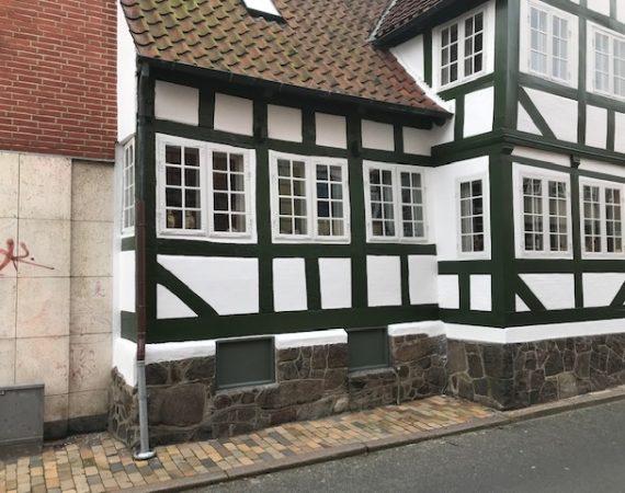 Maling af bindingsværk hus